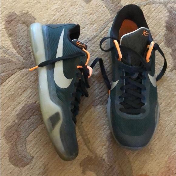 Nike Kobe X Low Cut Basketball Shoes